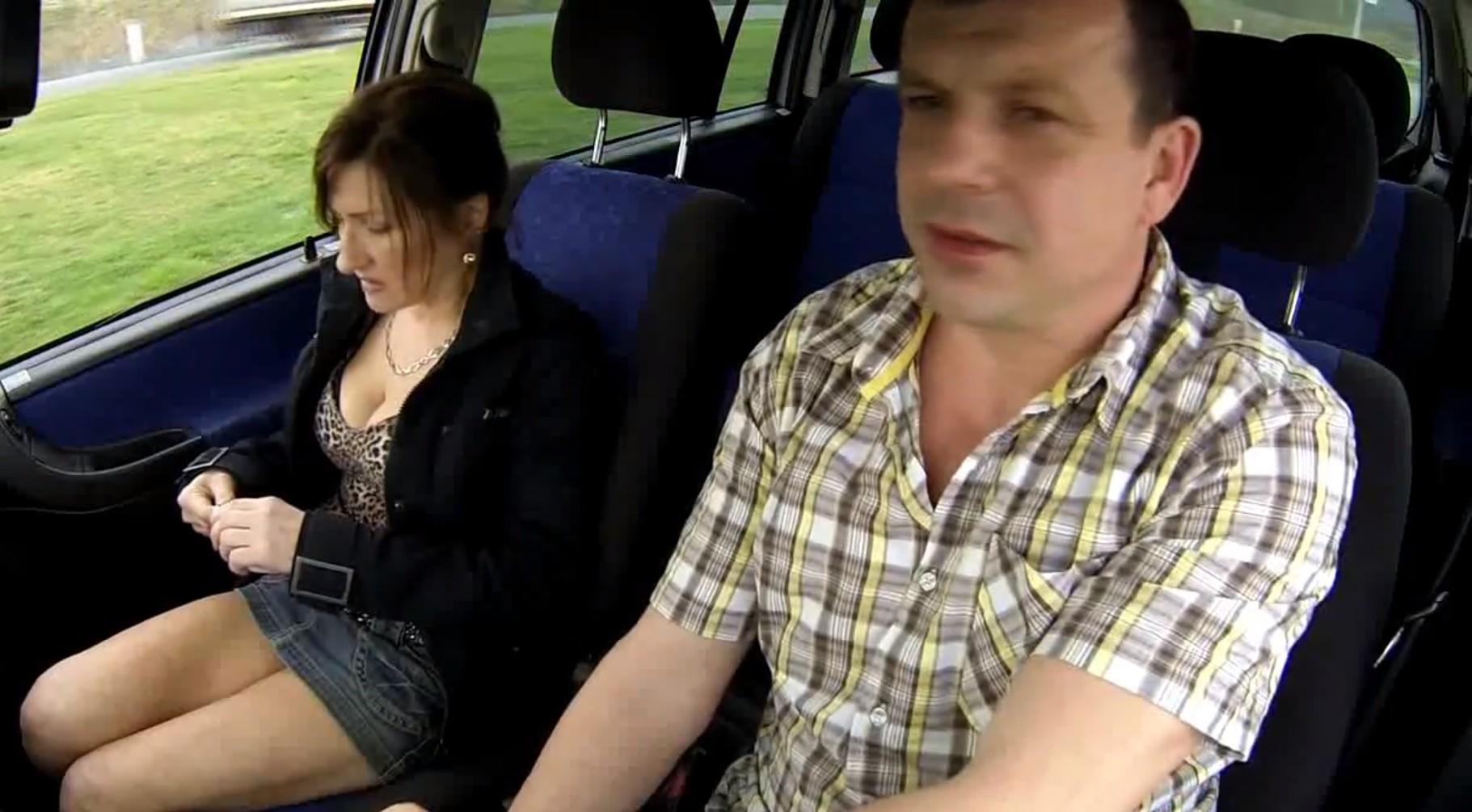 Czech milf fucked hard in car
